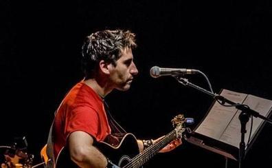 El cantautor Samuel Leví inaugura los conciertos de las Águedas 'Música en el patio'