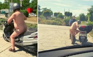 La Policía da el alto a un hombre que conducía su moto desnudo