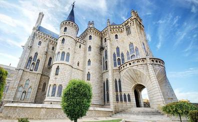 Patrimonio aprueba obras en el Palacio Episcopal de Astorga y el Castillo Viejo de Ponferrada