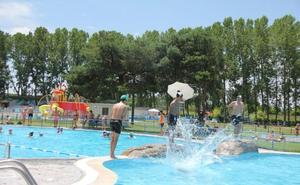Ocio, deporte y agua, la mejor receta para combatir el calor en las piscinas de Valencia de Don Juan