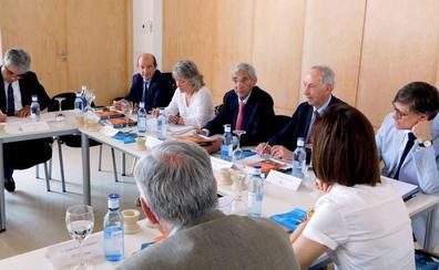 Santa María la Real trabaja el convenio del Centro de FP de La Robla y en la gestión de una residencia en León