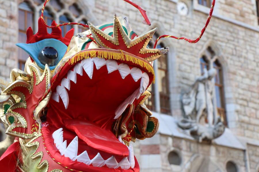 el 'Día de la doble A' con el desfile Dragón y Danza en León