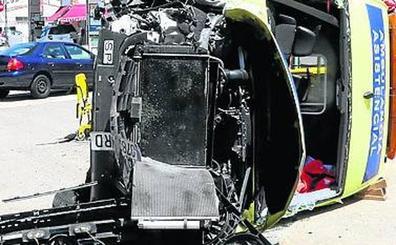 A juicio el chófer de una ambulancia accidentada en Rioseco en la que murió un paciente
