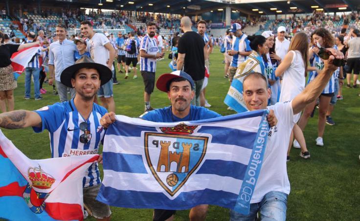 El Bierzo celebra por todo lo alto el ascenso a Segunda División