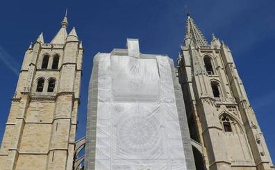 Atienden a una mujer por mareos cuando se encontraba en el interior de la Catedral de León