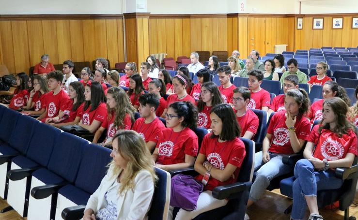La ULE recibe a los primeros 30 alumnos del campus científico de la FECYT