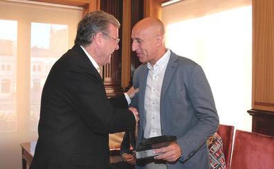 Punto y final a la 'era' Antonio Silván en el Ayuntamiento de León: «Muchísimas gracias»