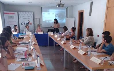 Cruz Roja Española presenta la mesa de diálogo 'Balance + positivo' con empresarias leonesas