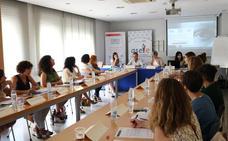 Mujeres empresarias de León y Cruz Roja colaboran en favor de la conciliación en el mercado laboral