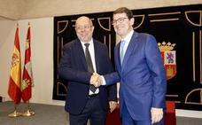 Mañueco irá el 9 de julio a la investidura como presidente de la Junta con la mayoría absoluta de PP y Ciudadanos