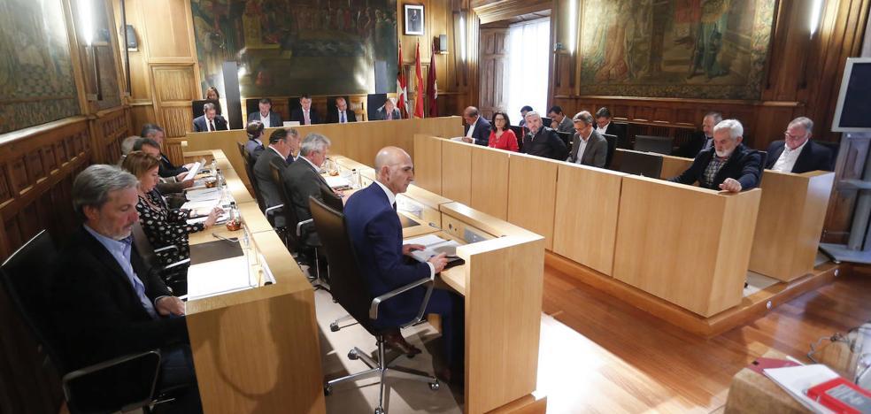 PSOE y PP entregan a la UPL por escrito un 'programa de inversiones en León' para pactar la Diputación