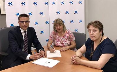 CaixaBank firma un convenio de colaboración con la Asociación de Familiares enfermos de Alzheimer de Astorga y comarca