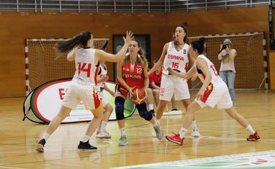 Itsaso Conde disfruta con la selección de Euskadi en el Torneo de de Barakaldo