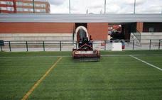 El Ayuntamiento mejora las instalaciones de los campos de fútbol de Trobajo y San Ándres