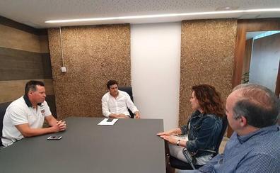Reunión de la nueva junta directiva de la 'Casa Asturias' con el equipo de gobierno de Villaquilambre