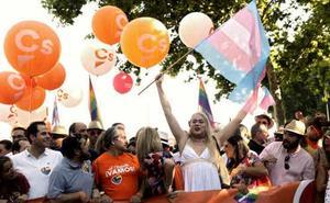 Ciudadanos acusa al «sanchismo» de justificar su escrache en el desfile del Orgullo