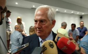 El delegado de la Junta mediará para agilizar el pago al Consejo de 1,7 millones para gastos de funcionamiento