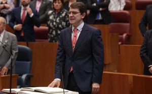 Mañueco promete «diálogo», pero recuerda que «la unidad de España y el respeto a la legalidad están por encima de todo»