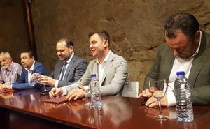 En directo | Ábalos firma en León el contrato de la Diputación con al UPL