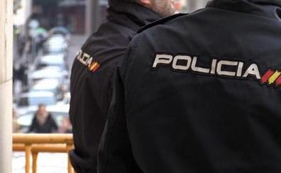 La Policía Nacional interviene en León dos pistolas simuladas a un varón en dos días consecutivos