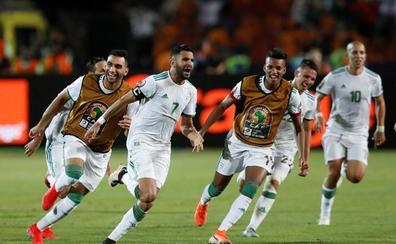 Mahrez, estrella de la Copa África y un golazo al odio
