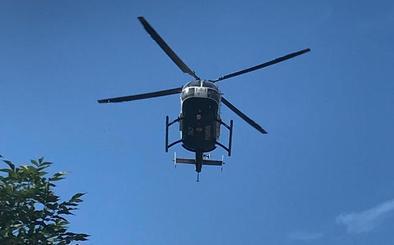 El Greim y el helicóptero de la Guardia Civil rescatan a una montañera indispuesta en los Picos de Europa