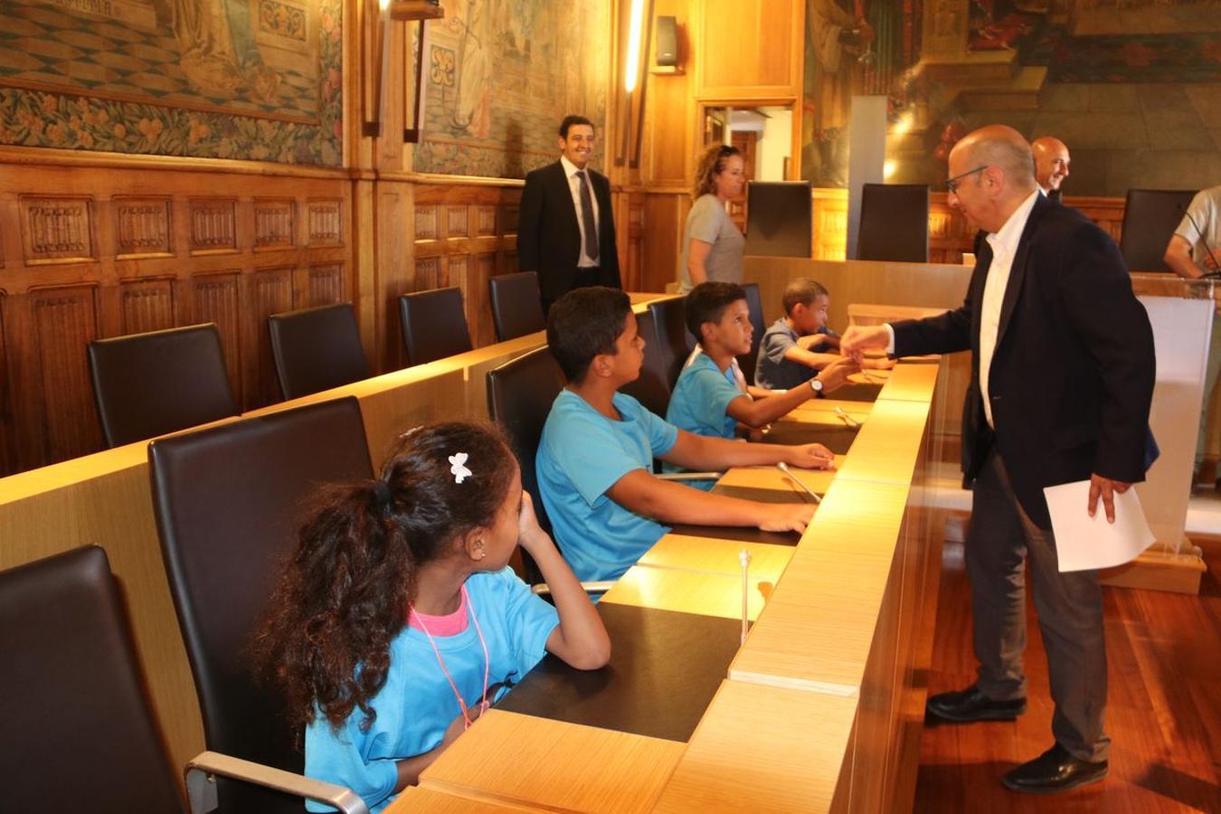 Los embajadores del Sahara visitan la Diputación