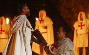 El Castillo de los Templarios de Ponferrada acoge una nueva temporada de visitas nocturnas teatralizadas a cargo del grupo Conde Gatón