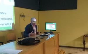 El curso sobre el acoso escolar finaliza este viernes en San Andrés con dos talleres prácticos