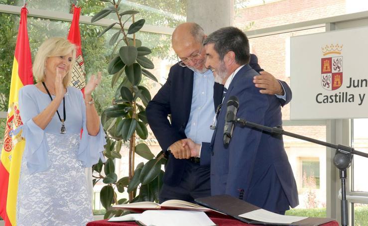 Toma de posesión de Manuel Mitadiel, nuevo responsable de la Gerencia Regional de Salud