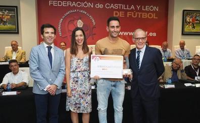 La Federación de Castilla y León premia a Roberto Puente y la Cultural