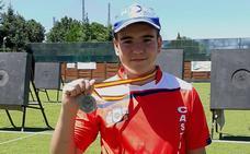 Héctor González regresa a casa con su primer oro como cadeta