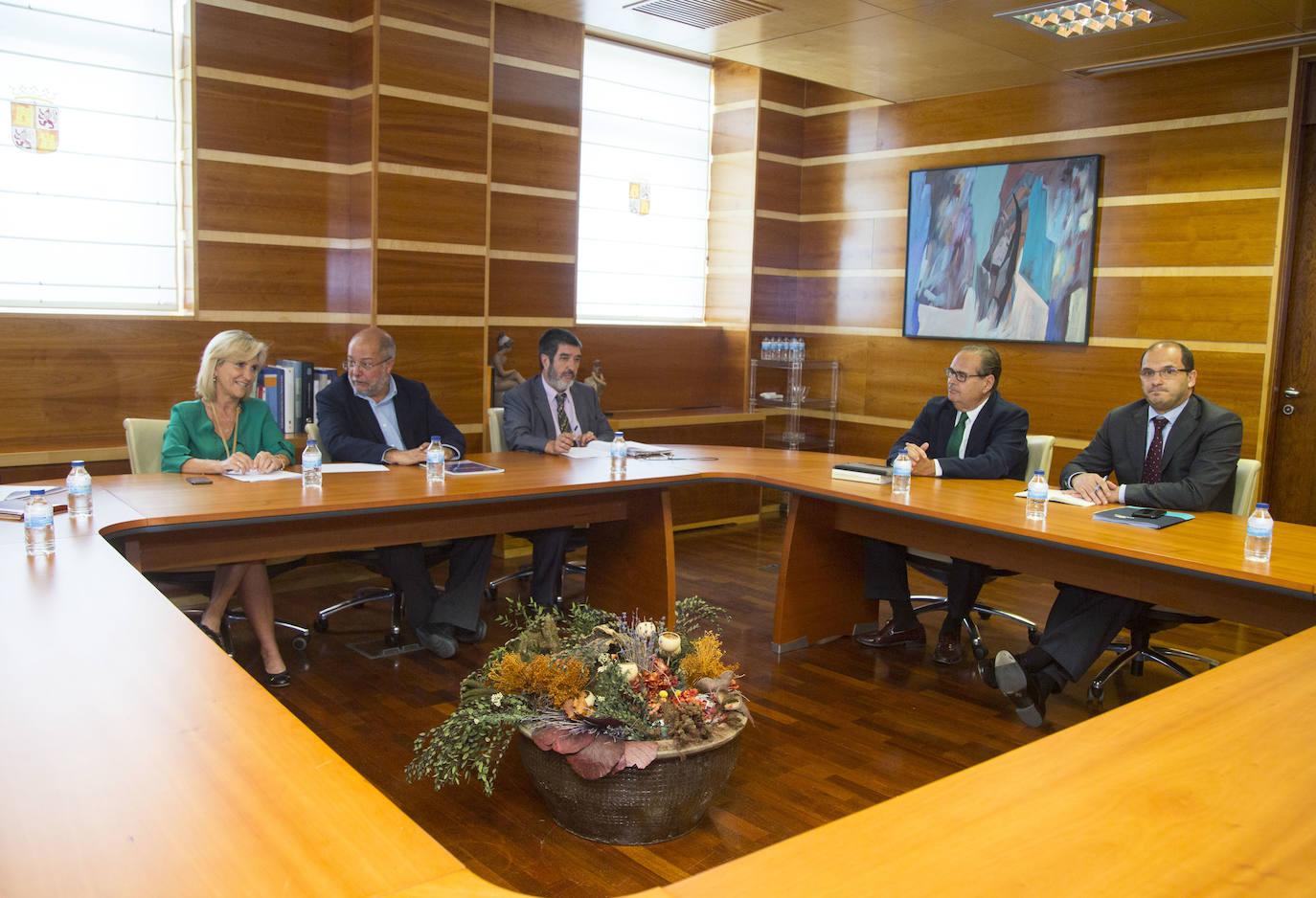 Sanidad tantea a la concesionaria del Hospital de Burgos en busca de fórmulas de reversión a Sacyl