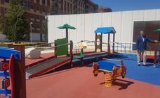 La Plaza Cámara de Comercio en La Lastra cuenta con una nueva zona de juegos