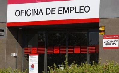 Los sindicatos califican de «espejismo» el descenso del paro en León