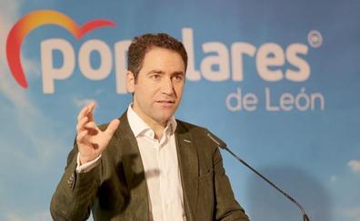 Egea en León: «Pedro Sánchez se va de vacaciones mientras muchos españoles se van a la cola del paro»