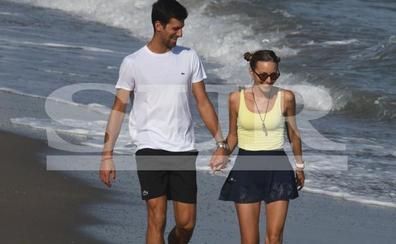 Djokovic y Adriana Lima, descanso en Marbella