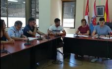 Advierten de un pacto entre PSOE y PP en Cacabelos para aprobar los sueldos del equipo de Gobierno