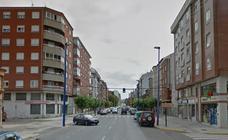 De tres a seis meses de prisión y retirada de carnet por conducir a 120 por hora por Ponferrada