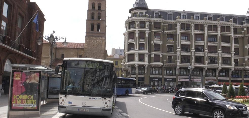 El Ayuntamiento dice basta: León quiere acabar con la 'estación de autobuses' de Santo Domingo