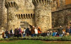 El castillo y los museos de Ponferrada registraron más de 3.400 visitantes durante la jornada de ayer