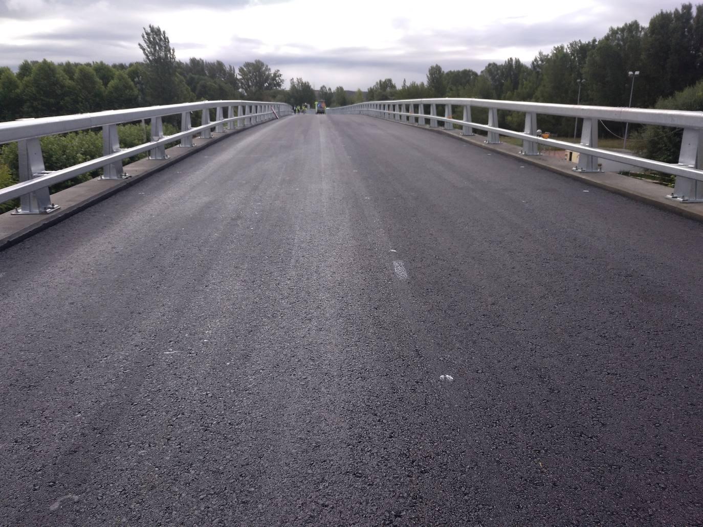 Reabre el puente del Porma de Puente Villarente