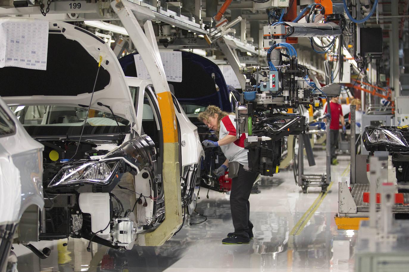 La venta de maquinaria y coches españoles saldrá perjudicada de la guerra comercial