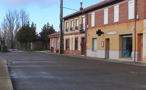 Una treintena de las 155 farmacias rurales de León tienen su 'viabilidad económica comprometida' y exigen más apoyo