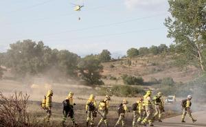 La ausencia de dos 'peones mangueristas' retrasó durante una hora la extinción del incendio de Villaquilambre