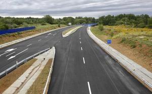 La Junta se opone al cobro de un «peaje blando» en las autovías porque «perjudicaría a la economía y al medio rural»