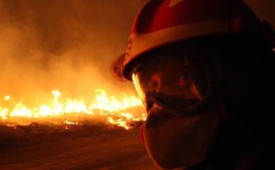 Las brigadas antiincendios piden ser ya bomberos forestales para «ser efectivos» durante todo el año