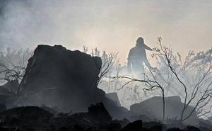 Controlado el incendio accidental de Porqueros tras quemar 35 hectáreas de matorral y agrícolas