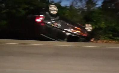 Una persona herida tras una salida de vía en la N-630 a la altura de La Copona