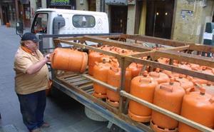 La Policía Local y los Bomberos de León intervienen en una vivienda para cerrar el gas que había quedado abierto «por un descuido»